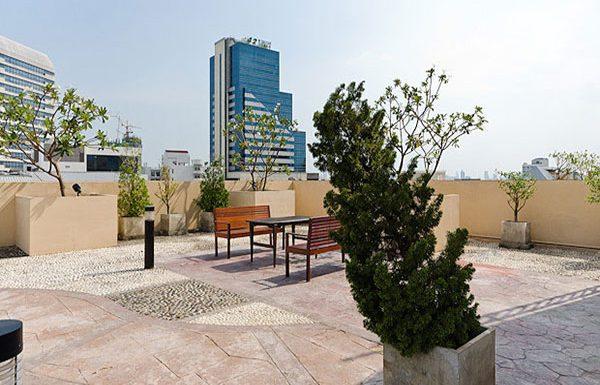 Address-Sukhumvit-42-Bangkok-condo-for-sale-garden