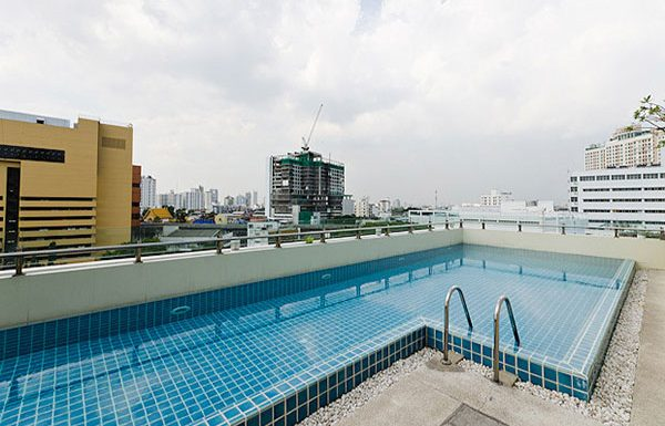 Address-Sukhumvit-42-Bangkok-condo-for-sale-swimming-pool