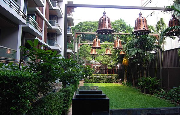 Address-Sukhumvit-61-Bangkok-condo-for-sale-garden